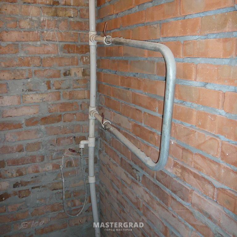 Правильная разводка труб в ванной и туалете - примеры