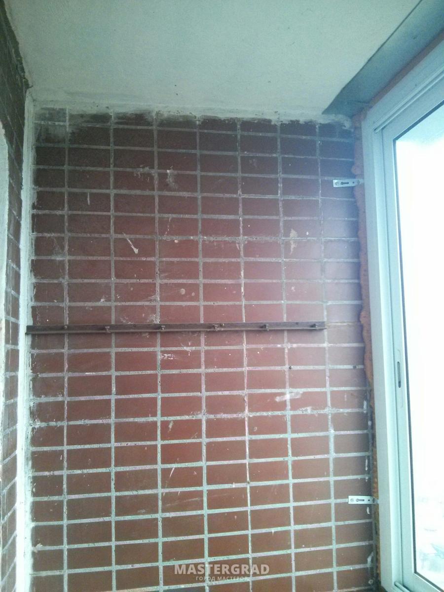 Отделка балкона под покраску без утепления штукатурим, клеим.