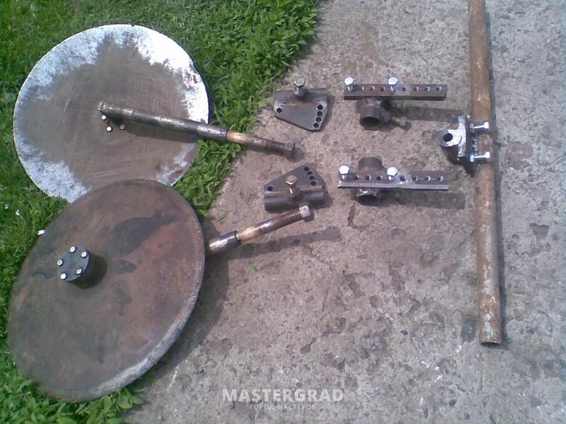 Из чего сделать дисковый окучник своими руками