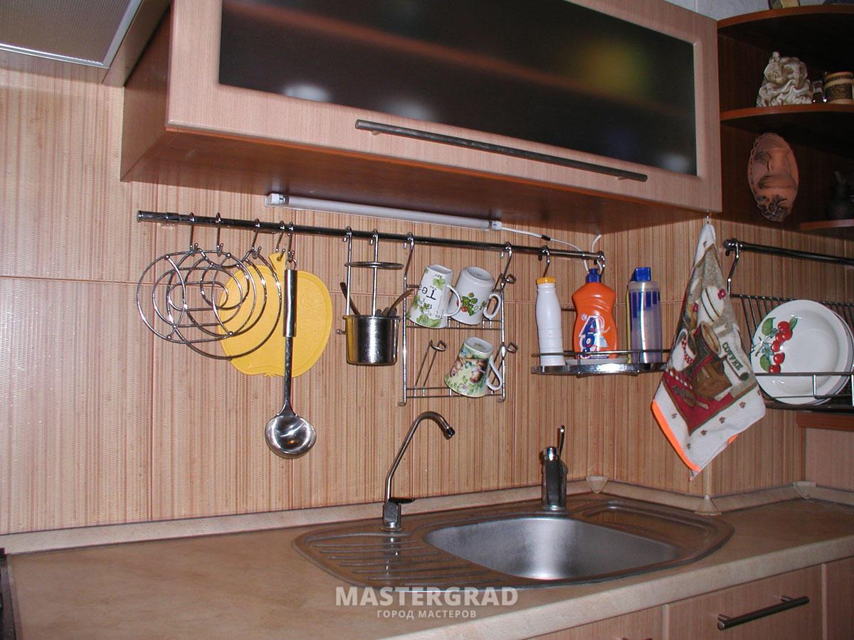 Как расположить рейлинги на кухне - установка 49