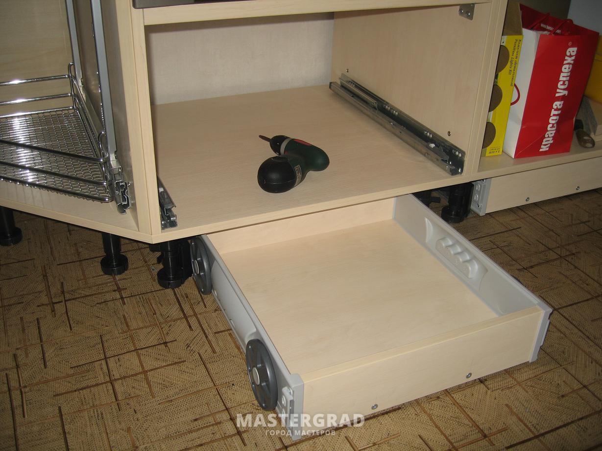 Как сделать выкатные ящики в шкаф