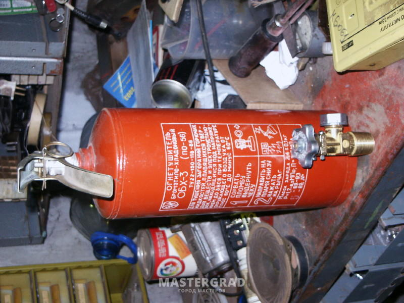 27ede505 Кстати, я такой вентиль вставлял и в баллон от огнетушителя (3 литра) очень  удобно на рыбалку брать. Благо давление позволяет