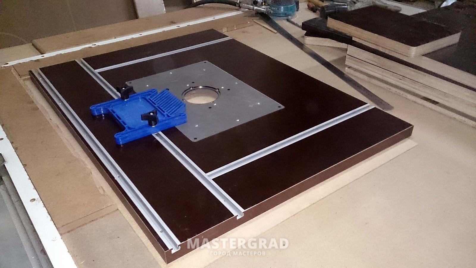 Универсальный стол для фрезера и циркулярНастенные столиКак