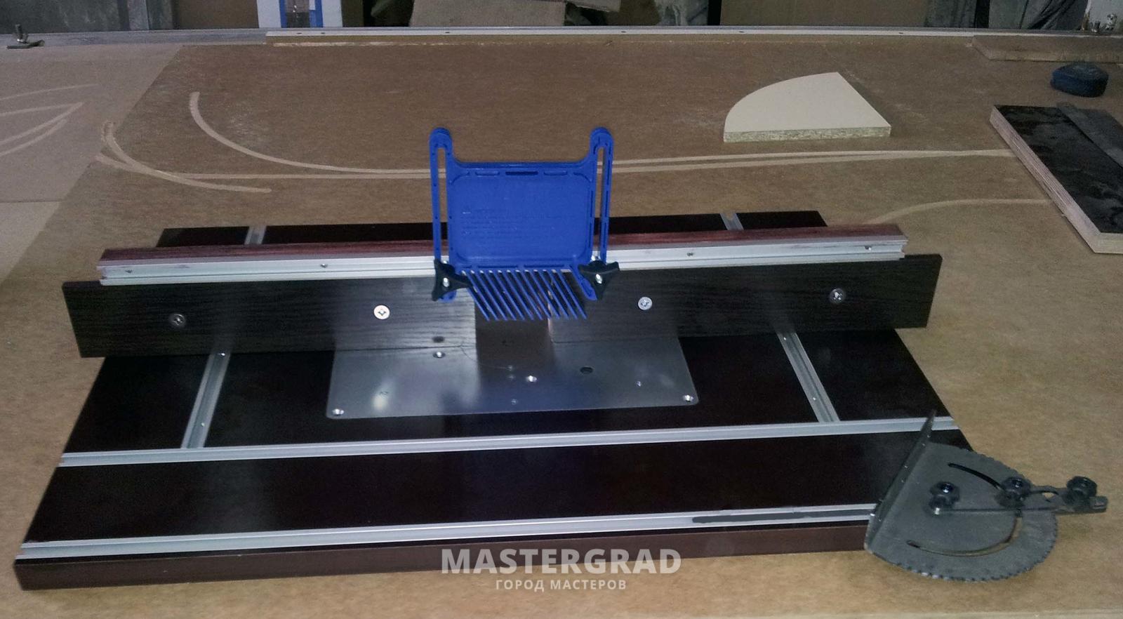 Универсальный стол для фрезера и циркулярУкрашение из
